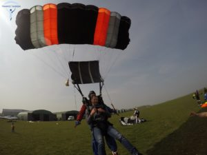 Saut en parachute demande en mariage originale